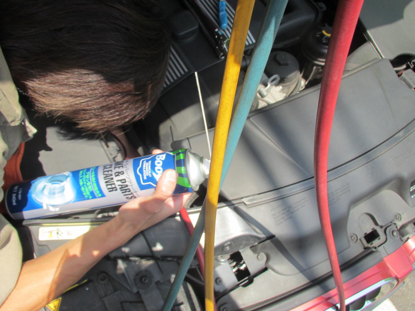 車 エアコン ガス 漏れ 修理